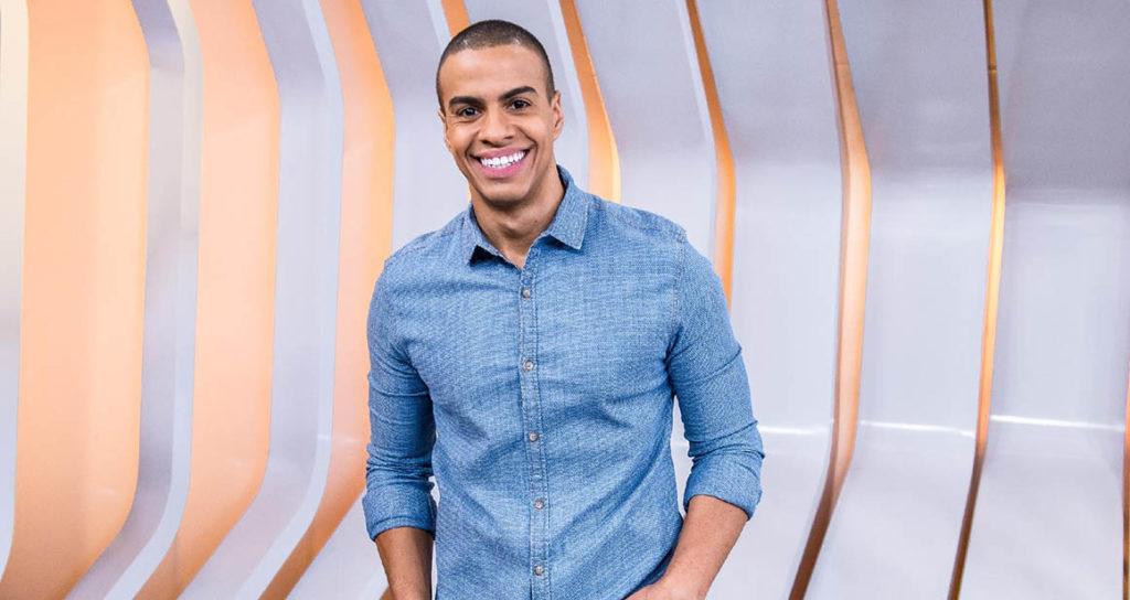 O apresentador Thiago Oliveira assume o comando do Esporte Espetacular, da TV Globo